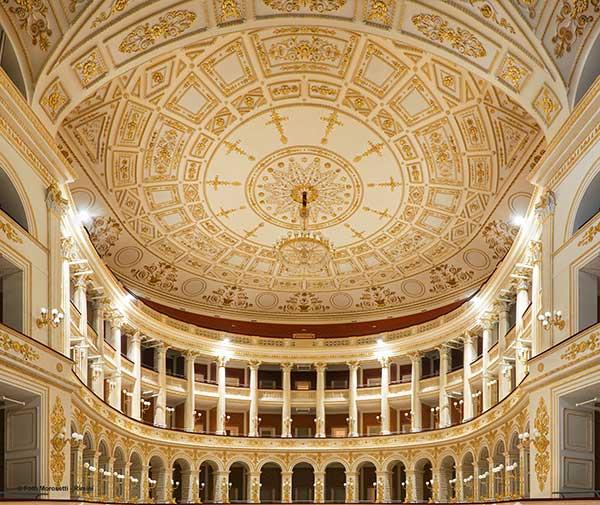 business hotel a Rimini, temp libero, visitare il Teatro Galli